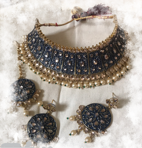 Indian bridal necklace earrings and teeka head jewelry set