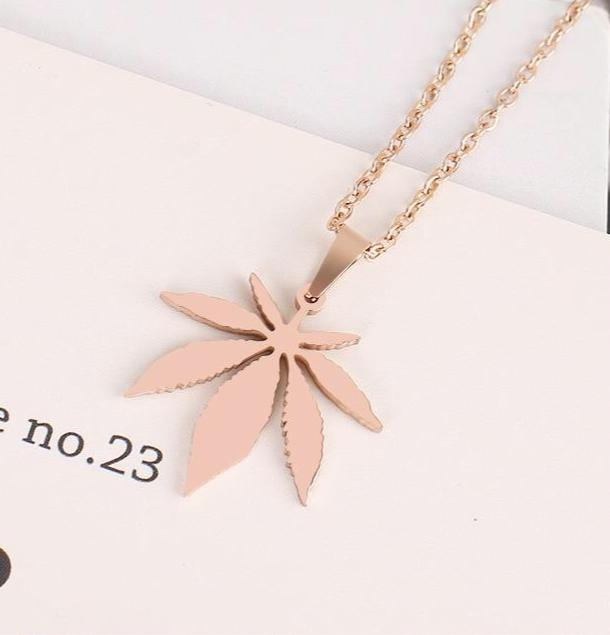 Rose Gold Maple Leaf Pendant Necklace never fade Women Jewelry