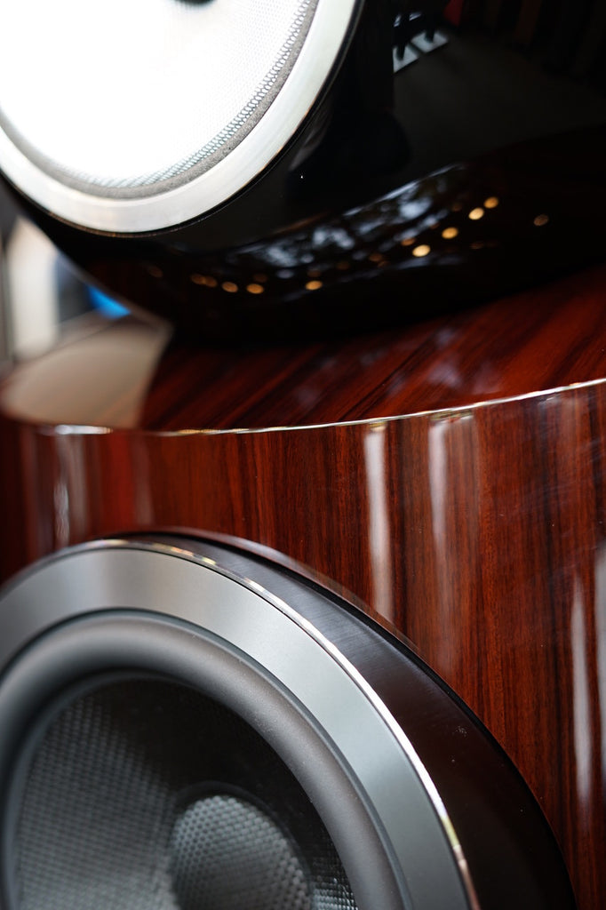 Bowers & Wilkins 802 D3 Prestige closeup of Santos Rosewood grain