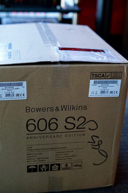 Wowers & Wilkins 606 S2 Anniversary Edition Unboxing Step 1.jpeg