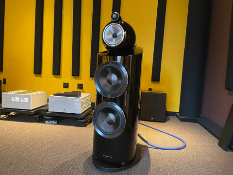 Bowers & Wilkins 800 D3 with Boulder and Luxman amplifiers