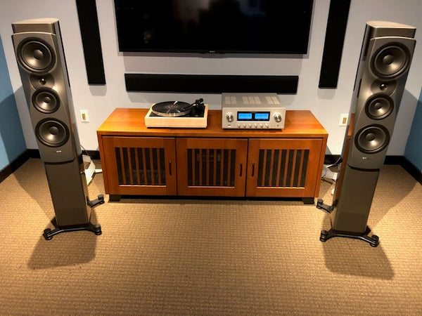 Woodsong Plinth Karousel LP12 with Luxman L-505 and Dynaudio Confidence 30 speakers