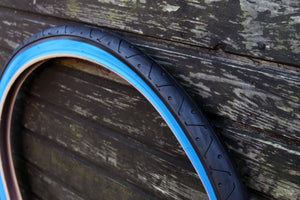 LS077 BLACK BLUEWALL BICYCLE SLICK TYRE TIRE 26 X 2.10