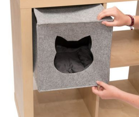 Cube shaped felt cat bed with cushion