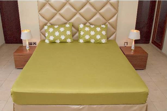 Exquisite Green Plain Bedsheet Set With White Lace Patch Work On The Pillow Covers