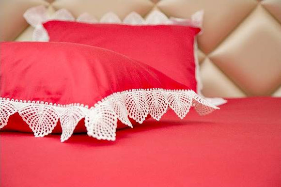 Exquisite Red Plain Bedsheet Set With White Lace On The Pillow Covers