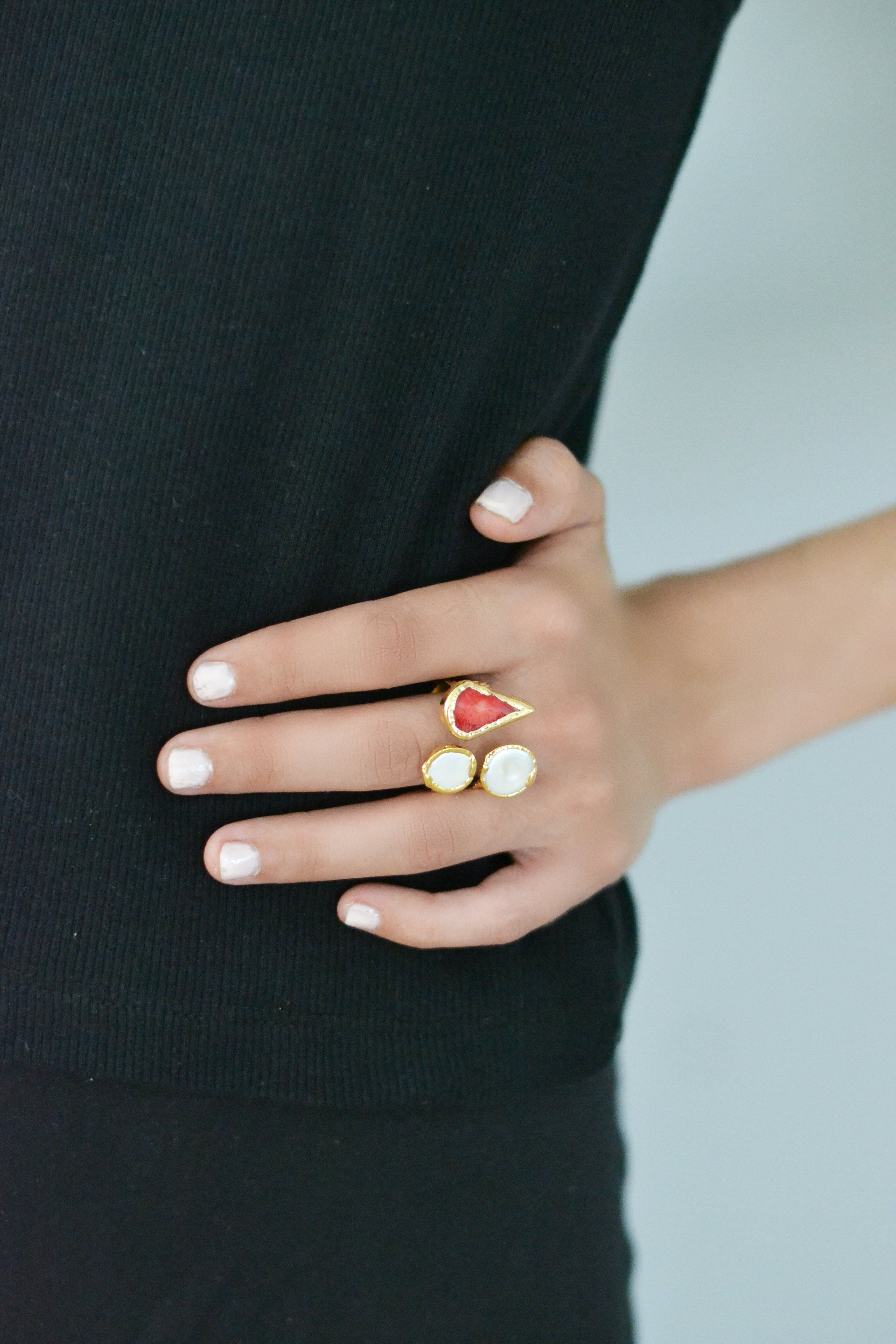 2 Pearl Maroon Stone Ring
