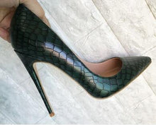 Load image into Gallery viewer, Dark Green Stone Heels