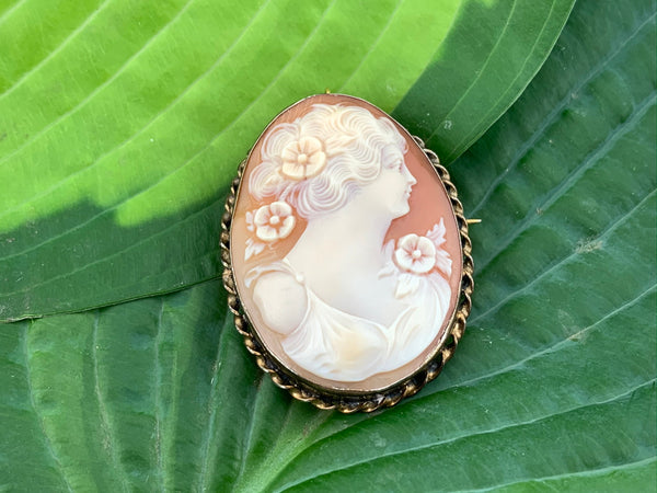 Antique Victorian carved shell cameo pin/pendant set in vermeil, gold over sterling silver frame