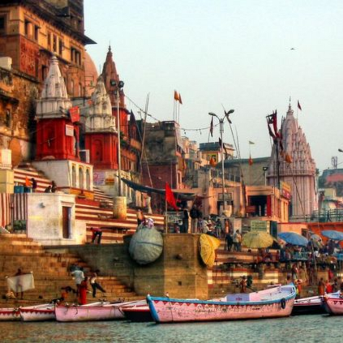 STREETS OF BANARAS FROM EYES OF A 7-YEAR-OLD GIRL
