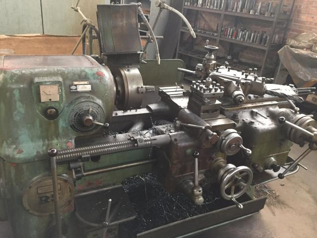 ZPS Type R5 turret lathe, 10in 3-jaw chuck