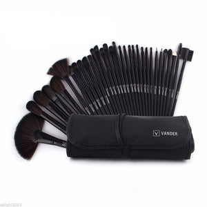 The Blackest 32 Piece Pro Brush Set With Pouch