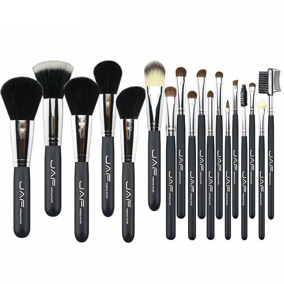 Classic Look Natural Hair 18 Piece Pro Brush Set