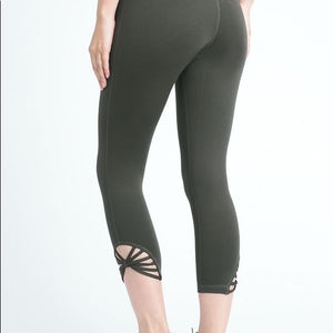 JP Activewear Fan Capri Leggings-Green