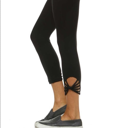 JP Activewear Fan Capri Leggings-BLACK