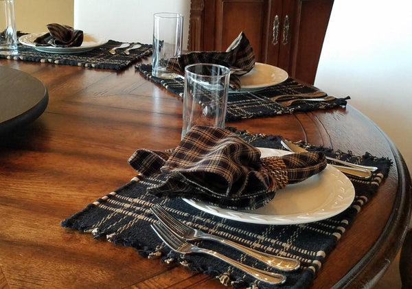 E1052 Sturbrige Chindi Placemats  Black (Set of 8)