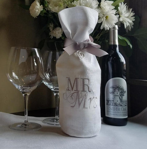 W1039 Mr. and Mrs. Wine Bag White with Taupe Lettering