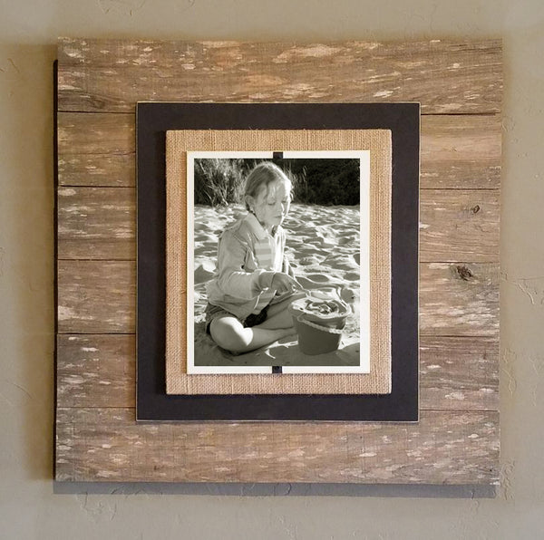 COS1003 Reclaimed Wood XL Beach Picture Frame (Brown and Black)