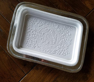 E1013 Silver Tray and White Decorator Tray (Set of 2)