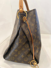 Louis Vuitton-Artsy Monogram MM