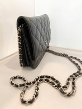 Chanel- Caviar Wallet on Chain