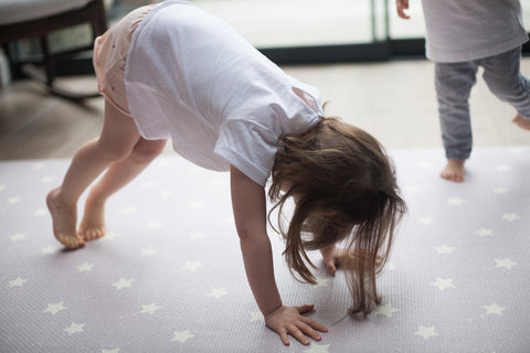 one piece memory foam mat supports developing limbs