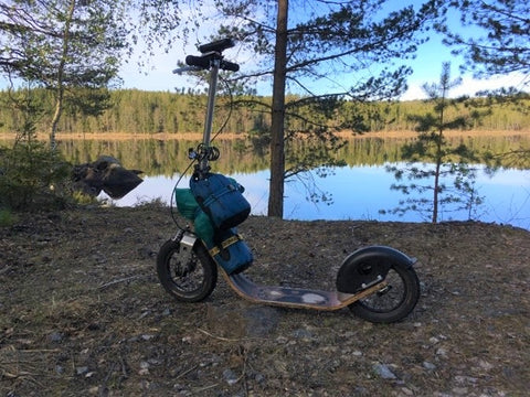 Somewhere in Sweden by a lake with a Boardy kick scooter