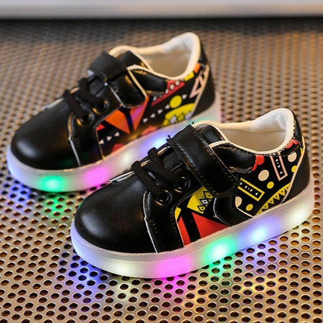 ZigZag - Casual Kids Sneakers LED Luminous Colorful Light Shoes - LightBalance.co