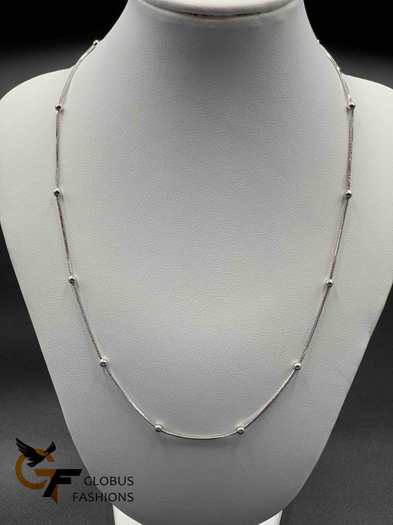 Simple silver chain with silver balls design