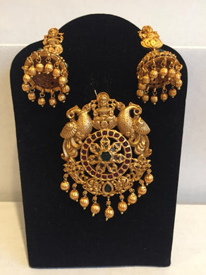 Matt finish Laxmi Pendent set - 9gems