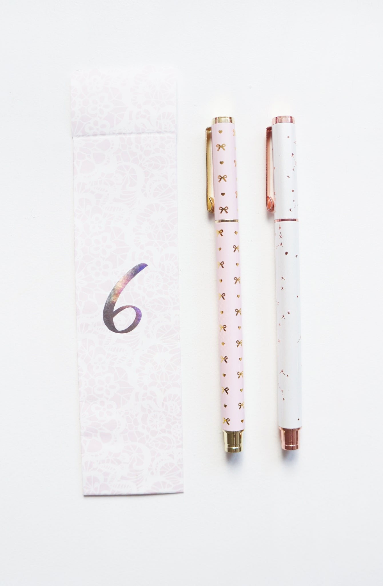 GEL INK PEN set of 2 - PINK BOW & HEARTS / WHITE CONSTELLATIONS gold/rose gold hardware 2019 12 days box/D6 (January 31 Mini Release)