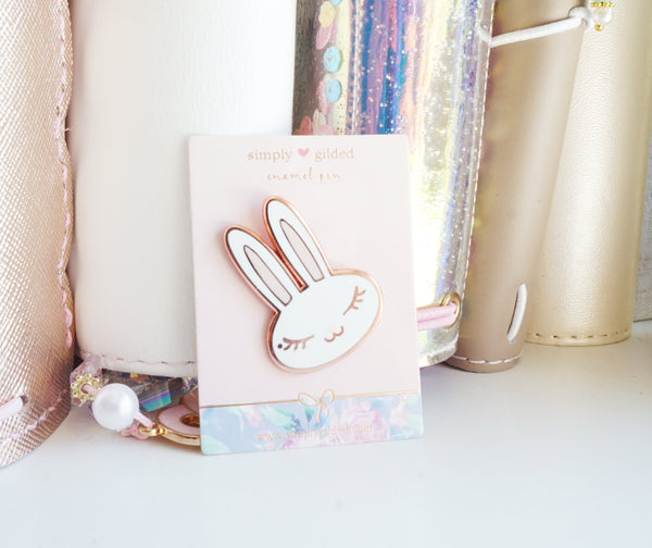 PIN - Enamel JUNIPER BUNNY white/pink + rose gold (Mystery Monday)