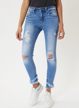Courage KanCan Distressed Jeans