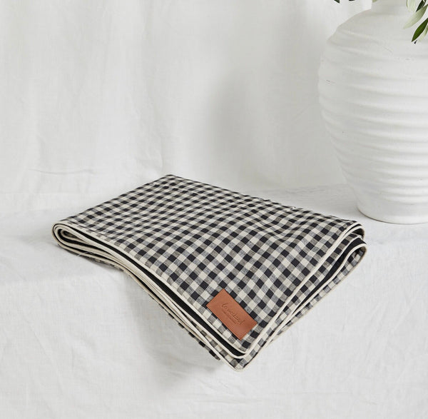 Classic Gingham Linen Picnic Rug- Le Weekend