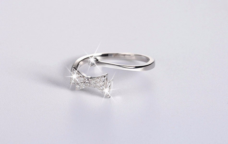 Lovely Bow Sterling Silver .925 Ring