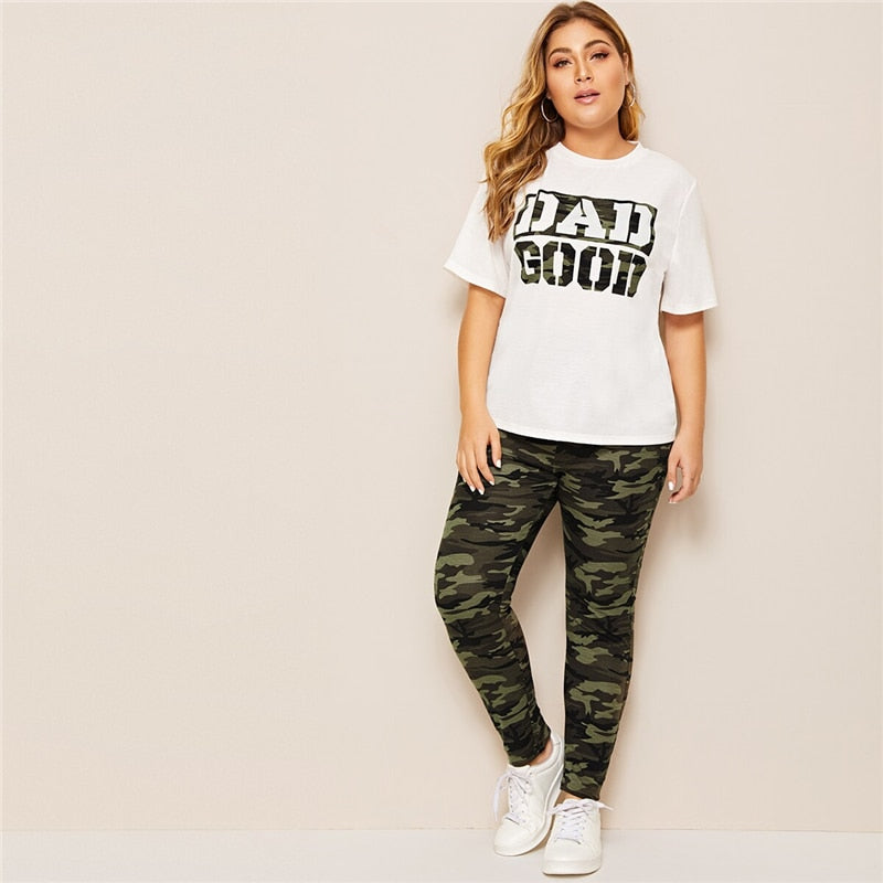 Casual Camouflage Green Slogan Print Tee and Leggings Plus Size Sets - WOMENEXY