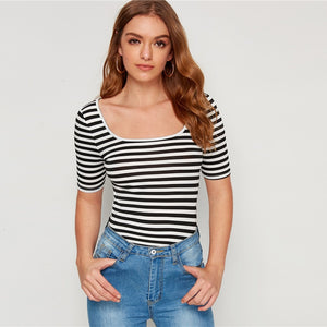 Casual Striped Print Square Neck Slim Fitted Tee - Black and White