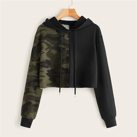 Sporting Two Tone Camo Panel Hoodie Crop Sweatshirt - WOMENEXY