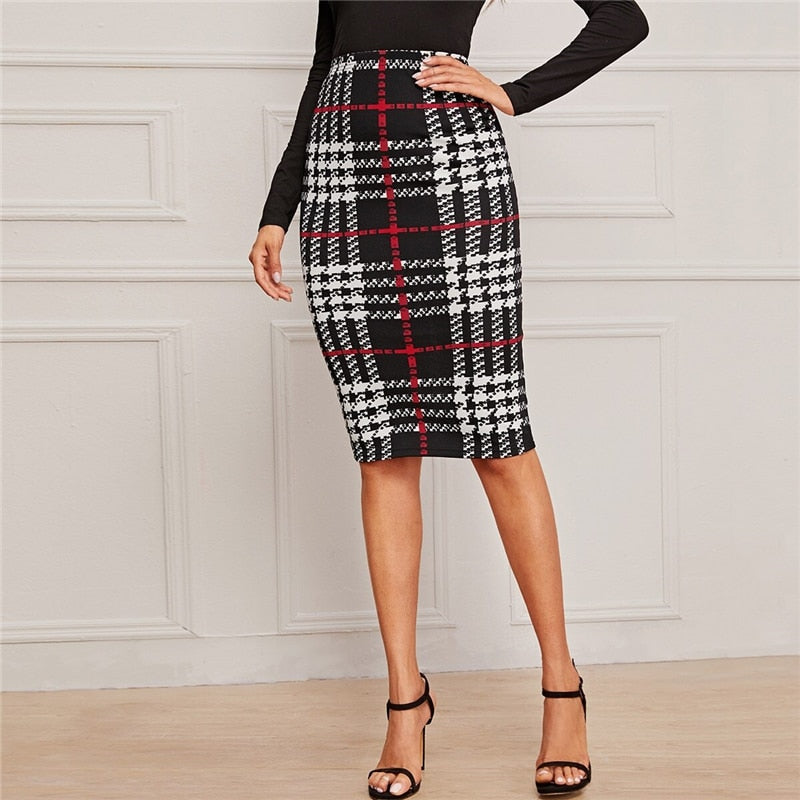 Elegant Plaid Print Pencil Skirt - Black and White