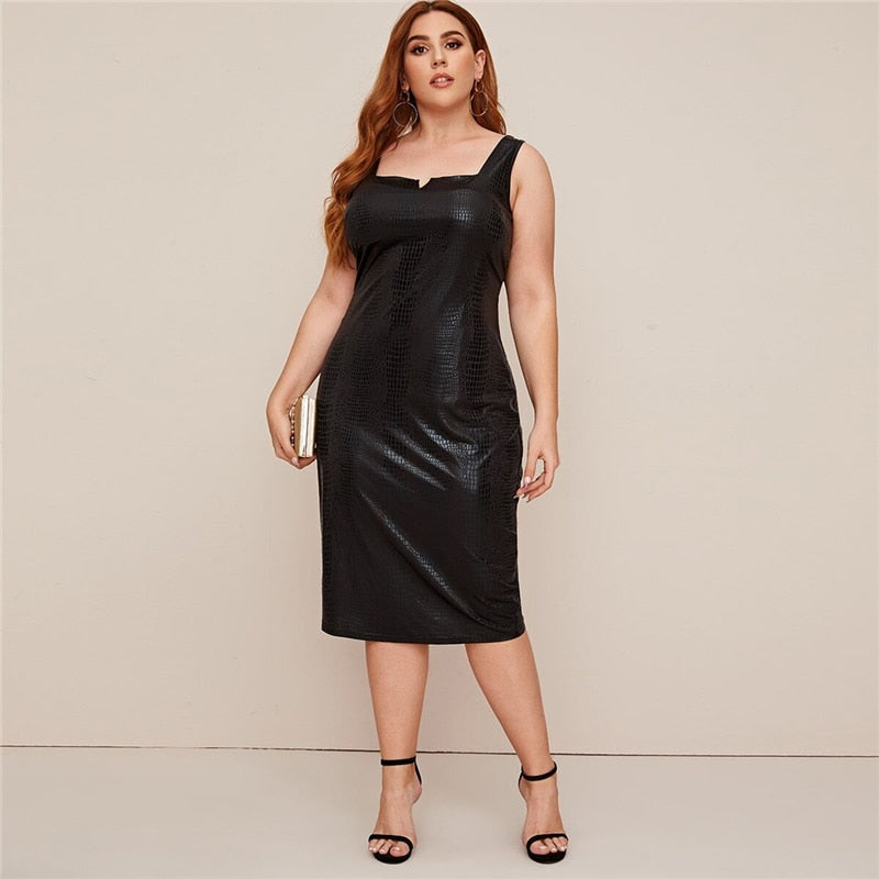 Elegant Crocodile Faux Leather Fitted Plus Size Dress - Black