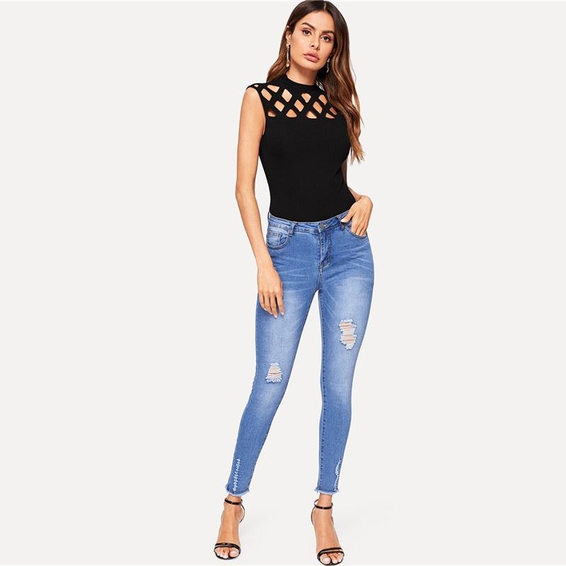 Elegant Cut Out Front Skinny Sleeveless Women Top - Black - WOMENEXY