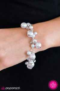 "Paparazzi ""Out To Sea"" FASHION FIX Silver Pearl Crystal Bead Bracelet Paparazzi Jewelry"