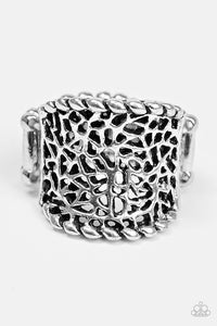 "Paparazzi ""Mind Over Shatter"" Silver Shattered Glass Pattern Ring Paparazzi Jewelry"