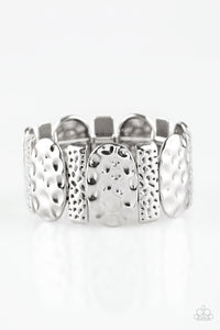 "Paparazzi ""Cave Cache"" Silver Hammered Rectangular Plate Stretchy Bracelet Paparazzi Jewelry"