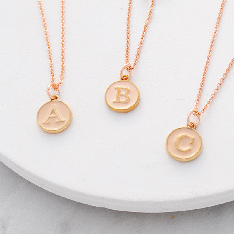 Personalised initial necklace in pink enamel and rose gold | Buen Amor