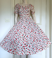 Romantic 50s Pink and Cream Floral Party Dress