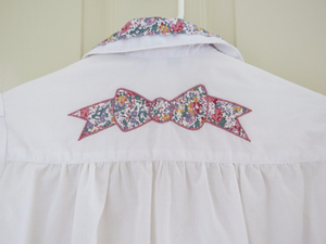 Cutest EVER Retro 80s 90s White Bow Floral Shirt