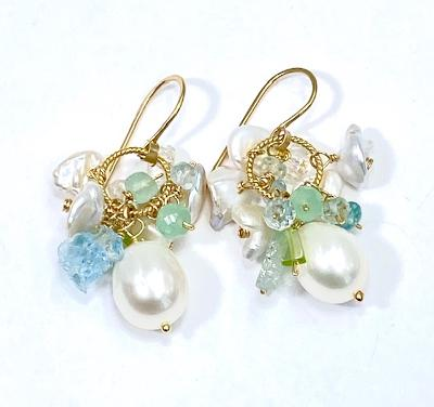 Raw aquamarine cluster and pearl earrings