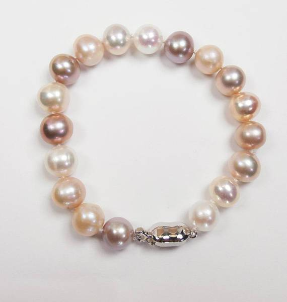 Peach Pearl Bracelet and Cluster Earrings - doolittlejewelry