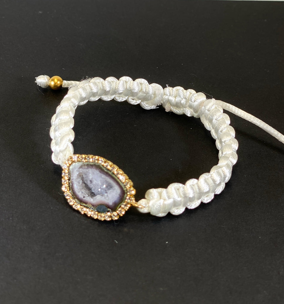 Tabasco Geode White Macrame Boho Bracelet Diamond Look
